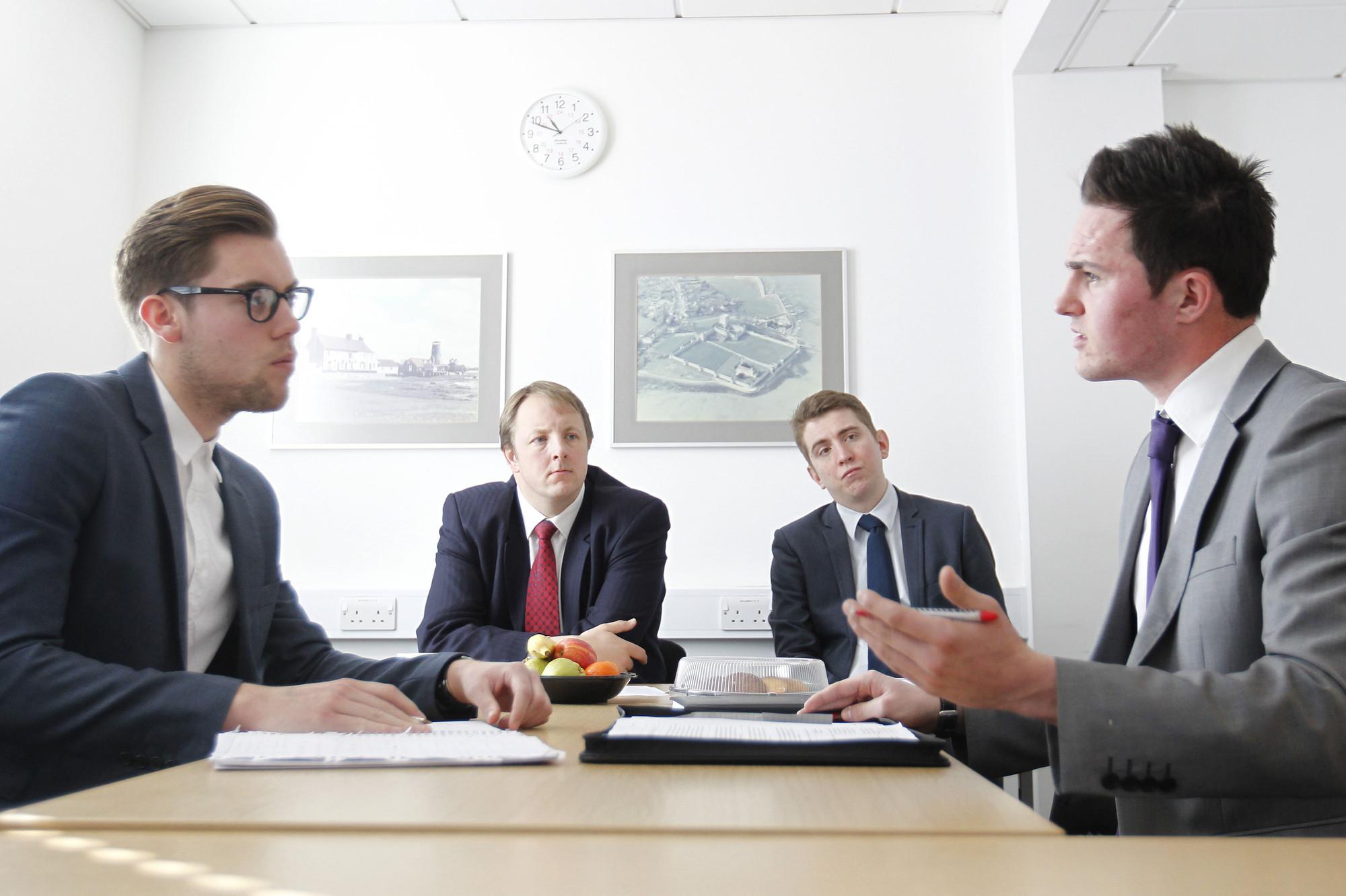 TOP 8 kỹ năng thuyết phục người khác dễ dàng trong giao tiếp